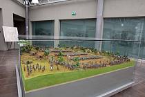 V budově památníku bitvy 1866 na Chlumu mohou návštěvníci vidět dioráma bojů rakouské a pruské armády.