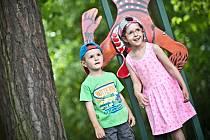Soutěž děti bavila. Během prázdnin se jí v hradeckých městských lesích zúčastnilo kolem stovky dětí.