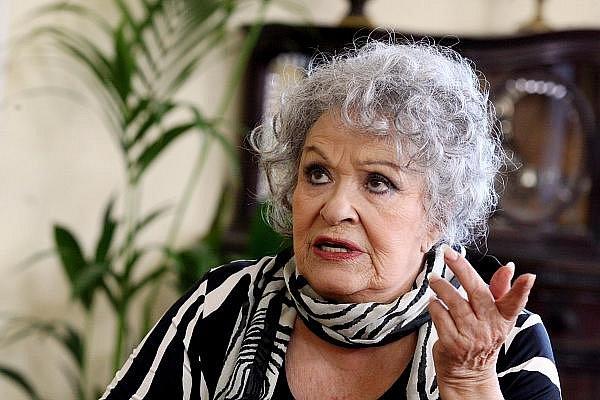 """Cyklus sedmi detektivních filmů s názvem """"Ach ty vraždy"""" v hlavní roli s herečkou Jiřinou Bohdalovou."""