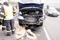 Hromadná nehoda pěti vozidel u obce Sadová.