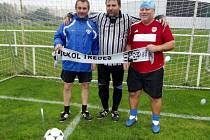 Padesátníci z fotbalové staré gardy TJ Sokol Třebeš - zleva Miroslav Kadečka, Jiří Černík a Paľo Mizerík.