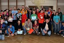 Z 13. ročníku turnaje ve stolním tenisu Hradecká smeč.