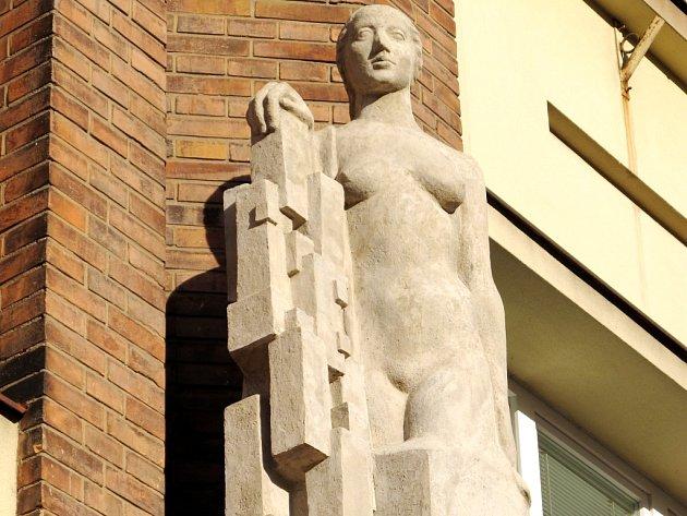 Žena s krystaly neboli také alegorie Stavitelství.