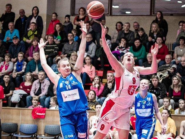 Z basketbalového utkání žen Hradec Králové - Trutnov.