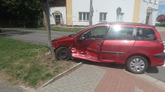 Dopravní nehoda dvou osobních automobilů vNovém Bydžově.