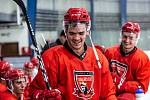 Trénink hradeckých hokejistů na ledě.