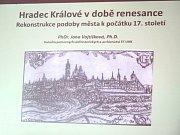 Přednáška Jany Vojtíškové v Knihovně města Hradce Králové.