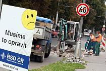 Uzavírky silnic ztěžují běžný provoz ve městě