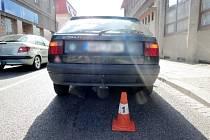 Střet osobního automobilu s dítětem na přechodu pro chodce v Novém Bydžově.