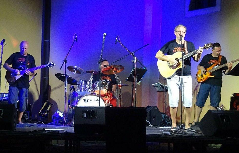 Noband Brothers zahráli v Hradci Králové.