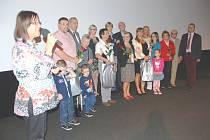 Hlavní aktéři - hradecké rodiny, o kterých je unikátní dokument natočen.