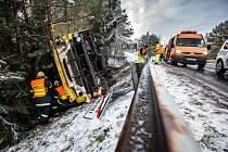 Havárie autobusu u Třebechovic pod Orebem.