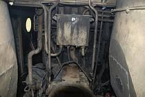 Na železniční trati mezi Hradcem Králové a Třebechovicemi pod Orebem hořela lokomotiva