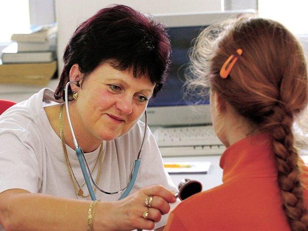 O malé pacienty, kteří potřebovali akutní péči, se během stávky na lékařské službě první pomocistarala také Eva Svobodová.