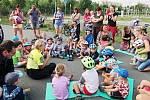Děti z mateřského centra navštívily dopravní hřiště.