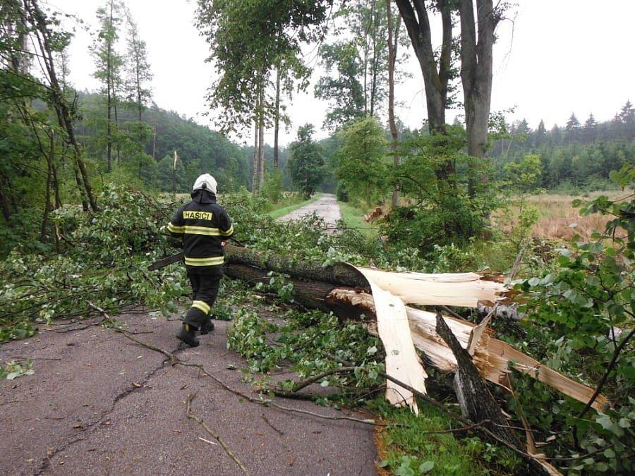 Následky středeční bouřky v Královéhradeckém kraji - Hořicko