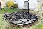 Požár včelína na Smiřicku.