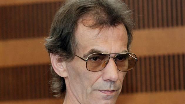 Petr Martinů před soudem za pokus o vraždu.
