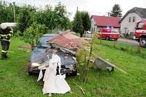 Nehoda vozidla Renault Megane v obci Rodov.