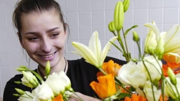 Petra Soukupová se už tři roky věnuje floristice a byla i na dvou mistrovstvích republiky.