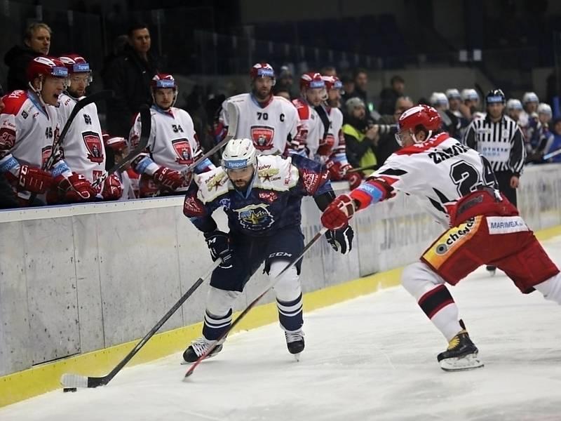 Hokejová extraliga Kladno (v modrém) - Hradec Králové.