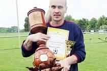 Trofej pro vítězný Dopravní podnik.