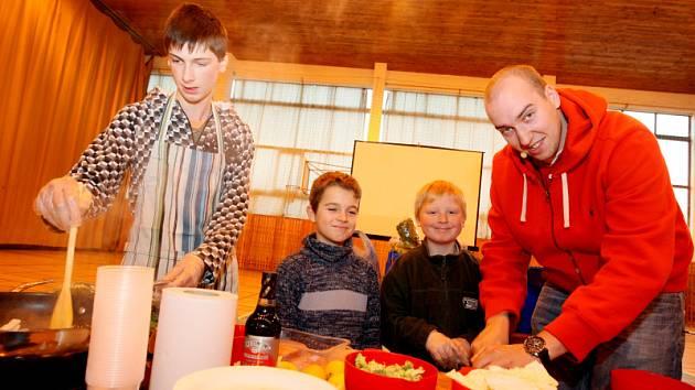 Kluci v akci v hradecké základní škole v Kuklenách