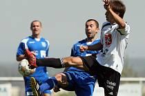 Fotbal, divize C: Hradec B - Dvůr Králové (26.04.2009)