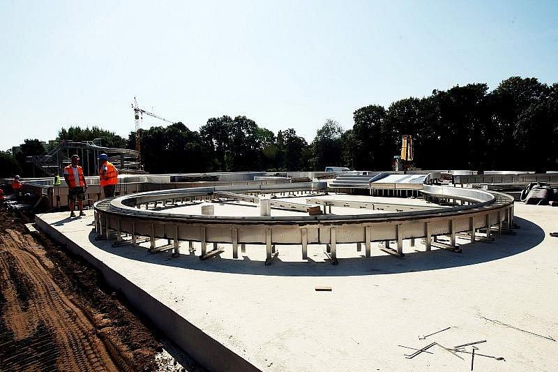 Stavba koupaliště v Malšovicích k 19. srpnu 2009.