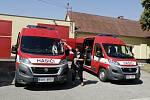 Nové vozy pro královéhradecké dobrovolné hasiče.