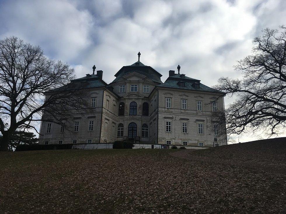 Zámek Karlova Koruna v Chlumci nad Cidlinou.