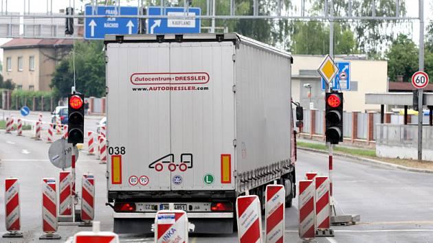 Dlouhodobé dopravní omezení si vyžádá stavba protihlukové stěny u nadjezdu