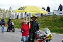 Jan Čížek při závodech historických motocyklů.