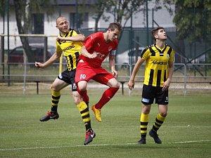 Fotbalová Divize C: FK Kratonohy - Jiskra Mšeno.