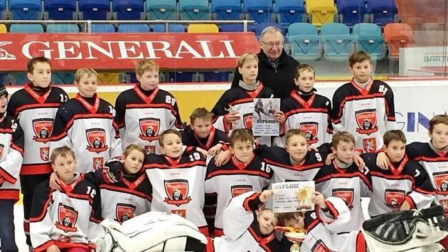 Hokejový turnaj O pohár senátora Malého.