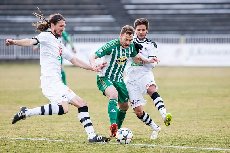 HRÁČSKÁ KARIÉRA. Adrian Rolko odehrál během jedenácti sezon v české lize přes dvě stě zápasů.