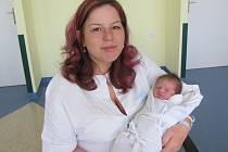 ROMANA PLÍŠKOVÁ poprvé vykoukla na svět 11. června v 8.52 hodin. Měřila 51 cm a vážila 3370 g. Velmi potěšila rodiče Šárku a Stanislava Plíškovy z Hradce Králové.