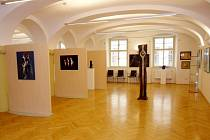 Dernisáž východočeského výtvarného Salonu Unie výtvarných umělců v královéhradecké galerii Na Hradě na Velkém náměstí.