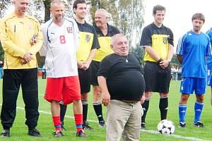 Jiří Krytinář kdysi při oslavě 90 let fotbalu v Chlumci nad Cidlinou.