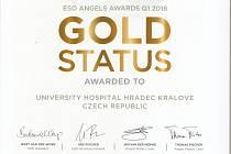 Komplexní cerebrovaskulární centrum Fakultní nemocnice Hradec Králové získalo poprvé vhistorii ocenění ESO Angels Awards za kvalitu péče o pacienty scévní mozkovou příhodou.