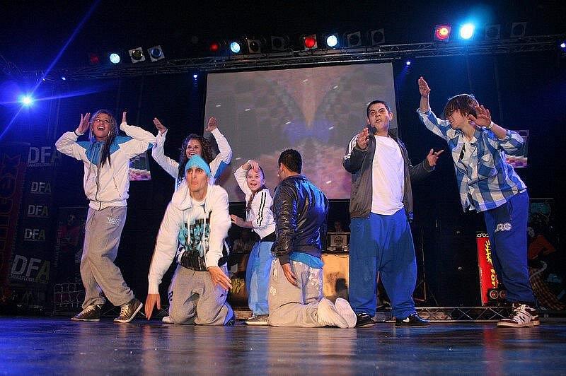 Dancefloor Attack v královéhradeckém Aldisu v neděli 31. ledna 2010.