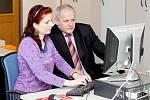 On-line rozhovor s Romanem Prymulou, ředitelem FNHK (20. ledna 2011).