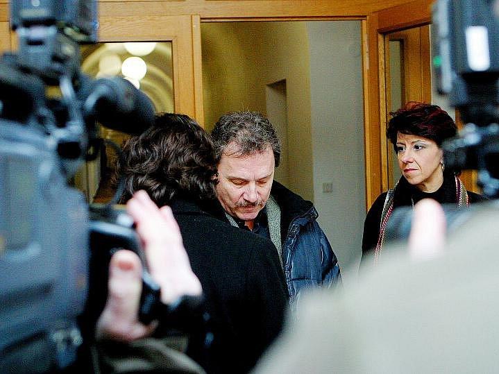 Soud s firmou Atol, 18. února 2010.