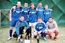 Stěžerská zimní liga v halovém fotbale: vítěz kategorie dospělých, tým Human machines.