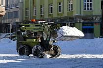 Odklízení sněhu z hradeckých ulic