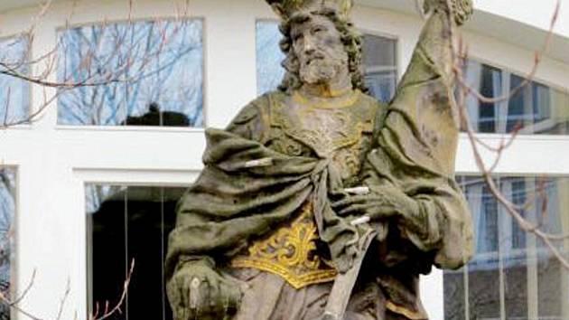 Socha Svatého Václava v zahradě na okraji Malšovic.