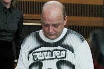 Třiačtyřicetiletý Michal Pěnkava od čtvrtka čelí u krajského soudu obžalobě ze znásilnění děvčete