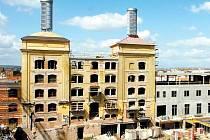 Nové dvě výškové dominanty má stavba Regiocentra v areálu bývalého pivovaru. Jsou to dva párníky na střeše.