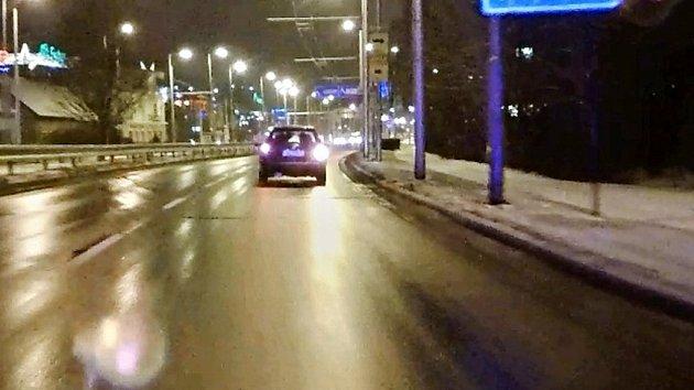 Řidič se střídal se spolujezdcem
