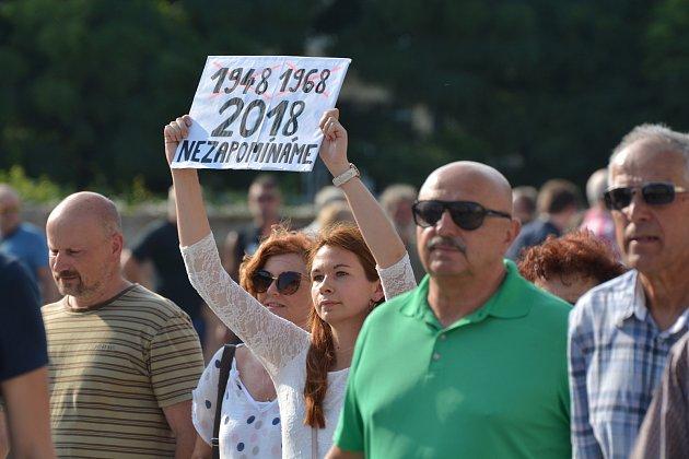 Z prostesů proti Andreji Babišovi v Hradci Králové